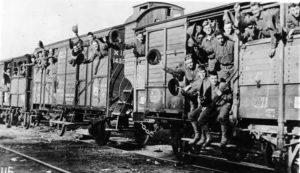5 WW1 trooptrain - no credits