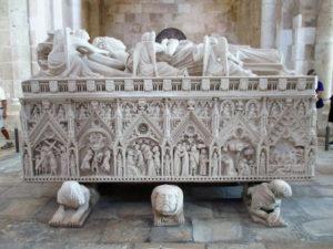 1 Alcobaca tomb of dona-ines