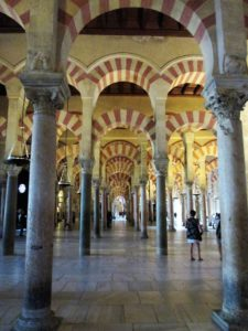 5 Endless space inside the Mezquita